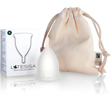 LATESSA Menstruationstasse mit Verpackung und Beutel